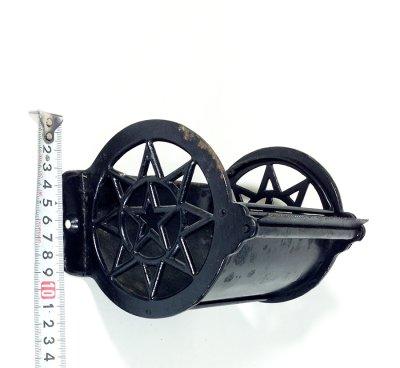 """画像1: Around 1900's """" ☆STAR☆ """" Cast Iron Toilet Paper Holder"""