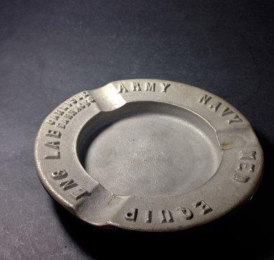 """画像1: 1930's """"ARMY NAVY"""" Cast Metal Ashtray"""