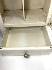 """画像10: 1940-50's French """"Shabby"""" Steel Bathroom Medicine Cabinet (10)"""