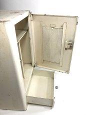 """画像11: 1940-50's French """"Shabby"""" Steel Bathroom Medicine Cabinet (11)"""