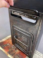 画像6: ★CORBIN LOCK CO.★ 最古モデル!! 1900-10's Brass Wall Mount Mail Box with Newspaper Holder (6)
