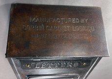 画像3: ★CORBIN LOCK CO.★ 最古モデル!! 1900-10's Brass Wall Mount Mail Box with Newspaper Holder (3)