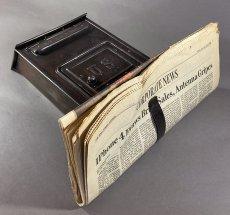 画像9: ★CORBIN LOCK CO.★ 最古モデル!! 1900-10's Brass Wall Mount Mail Box with Newspaper Holder (9)