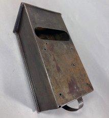 画像11: ★CORBIN LOCK CO.★ 最古モデル!! 1900-10's Brass Wall Mount Mail Box with Newspaper Holder (11)