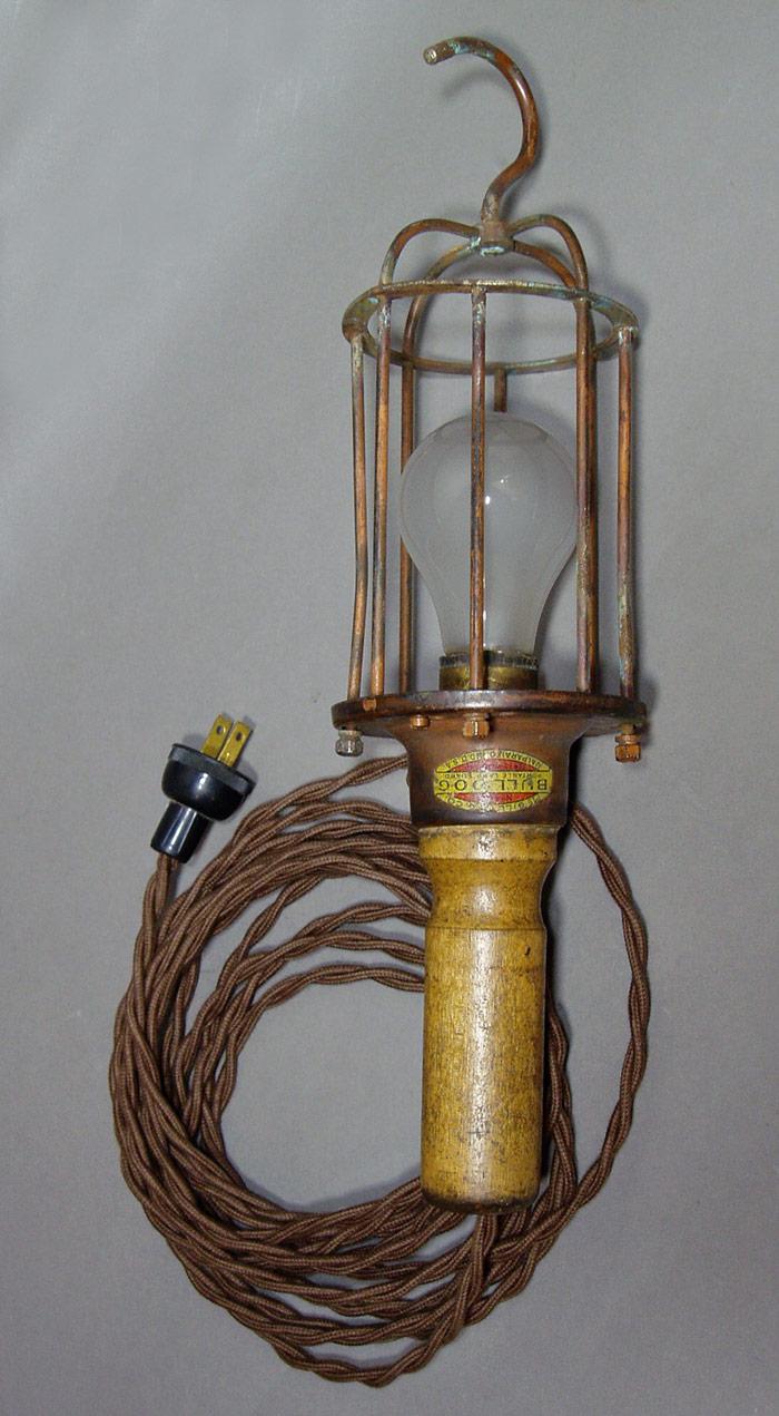 """画像1: 1920's """"Wood Handle"""" Trouble Light (1)"""