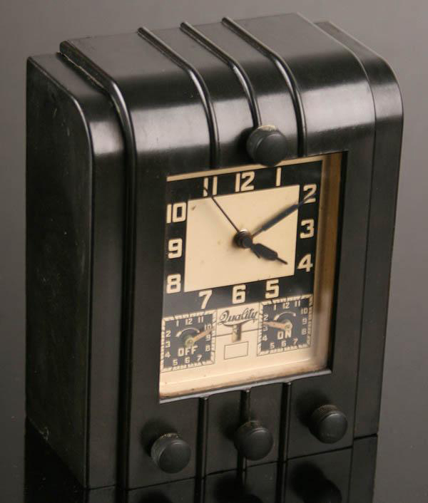 "画像1: 1930's Art-Deco ""STREAMLINE"" Black Bakelite Desk Clock (1)"