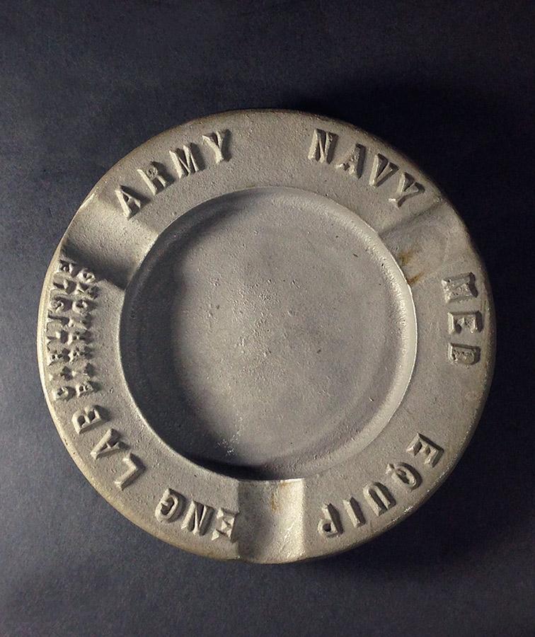 """画像1: 1930's """"ARMY NAVY"""" Cast Metal Ashtray (1)"""