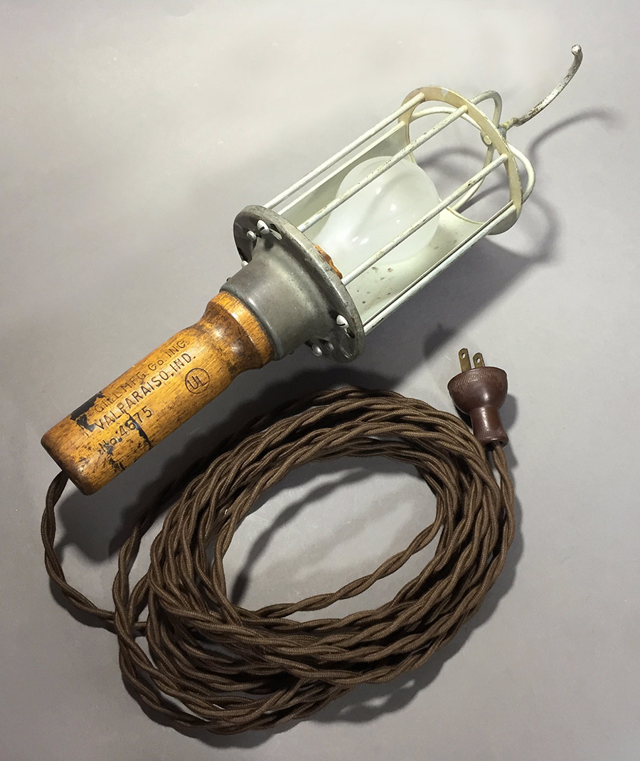 """画像1: 1930-40's """"Wood Handle"""" Trouble Light (1)"""