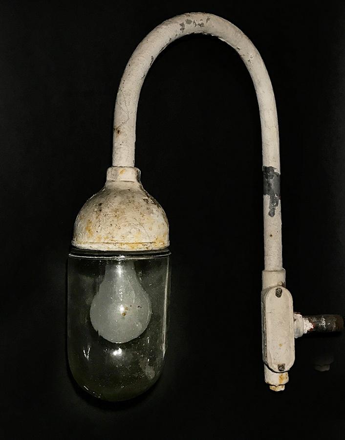 """画像1: 1940's """"Globe Glass"""" Grage or Gas Station Light (1)"""