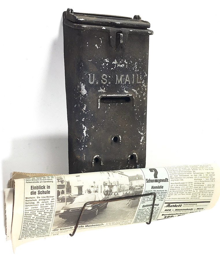 "画像1: 1930-40's ""Shabby"" Wall Mount U.S. MAIL Box w/ Newspaper Holder (1)"