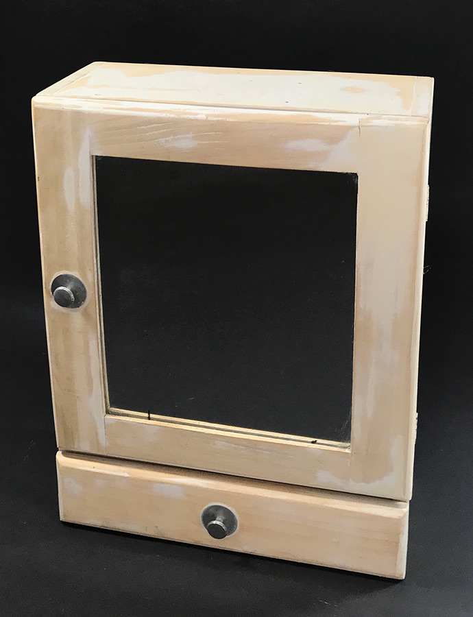 """画像1: 1940-50's """"Shabby"""" Wood Bathroom Medicine Cabinet (1)"""