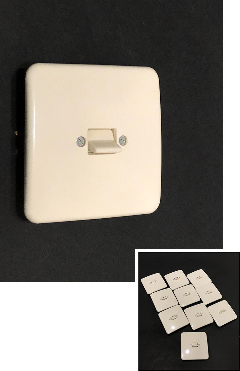 """画像1: -*残りラスト1個*- 1950-70's """"SQUARE"""" Bakelite Switch 【デッドストック - 14個バラ売り】 (1)"""