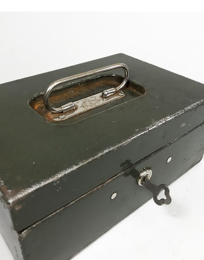 """画像1: 1940's """"ASCO NEW YORK"""" Steel Safety mini Box with Key (1)"""