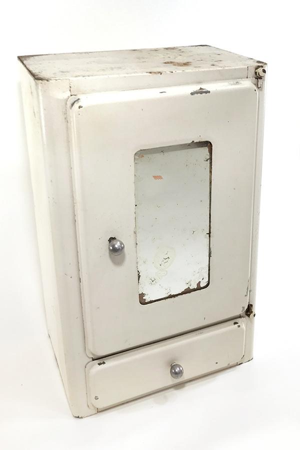 """画像1: 1940-50's French """"Shabby"""" Steel Bathroom Medicine Cabinet (1)"""