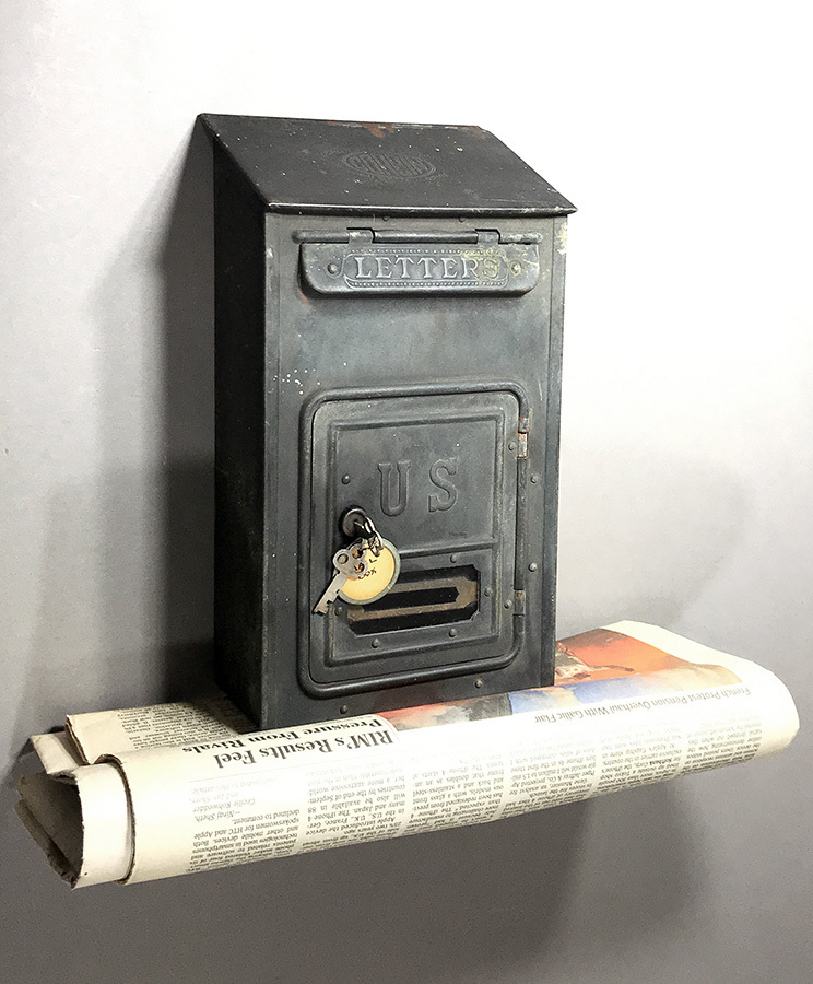 画像1: 【CORBIN LOCK CO.】 1910's Brass Wall Mount Mail Box with Newspaper Holder (1)