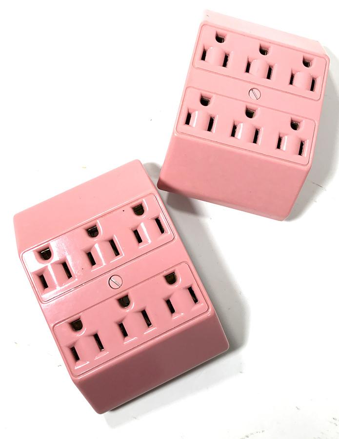 画像1: 1950's Pink Bakelite 6-Outlet Adapter (1)
