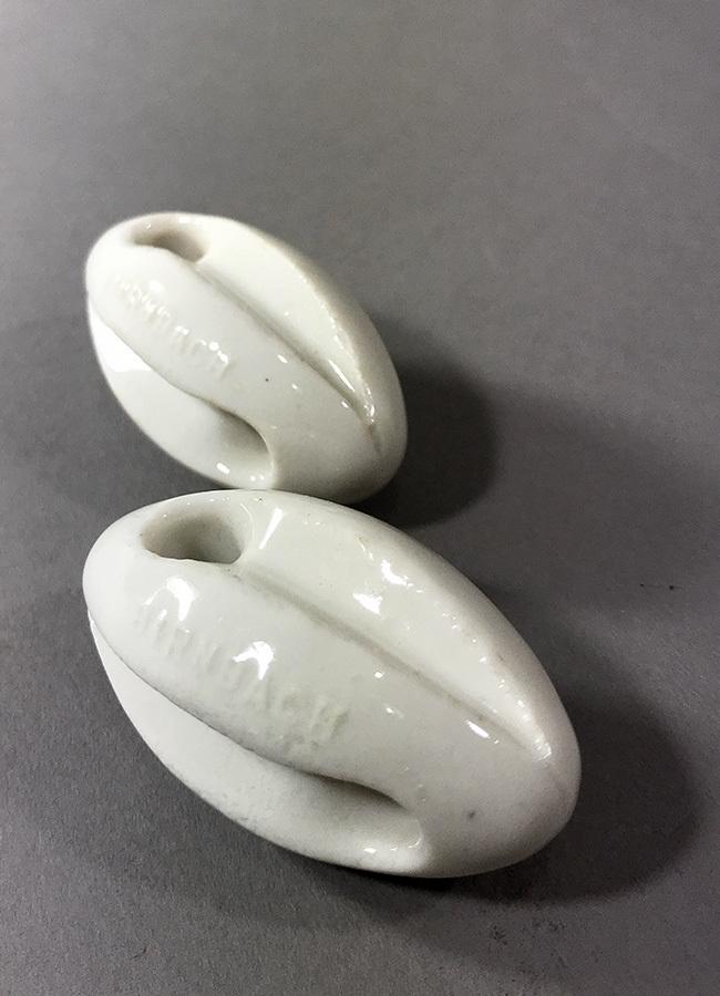 画像1: 【処分品】 Antique Porcelain Insulator (1)