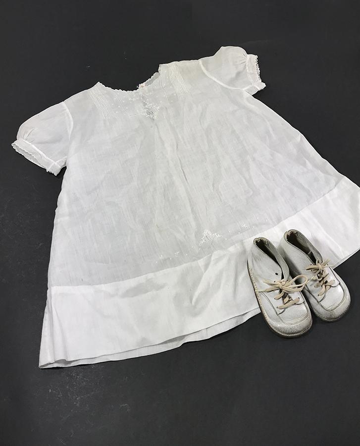 """画像1: Vintage """"HANDMADE"""" Baby Cotton Shirt & Leather Shoes (1)"""