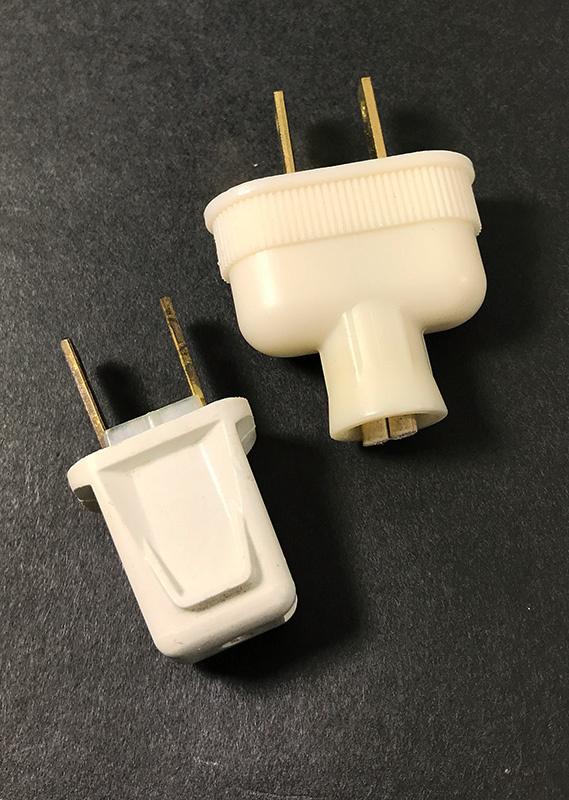 画像1: 2-set Old Electric Plugs (1)