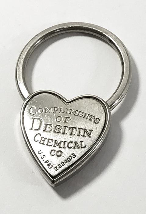 画像1:  1940's  ♡Heart Shaped♡ Advertising Key Ring  (1)