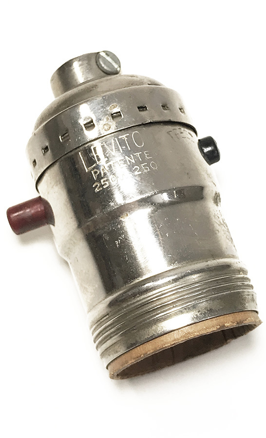 画像1: 1930-50's【LEVITON】Nickeled Brass Lamp Socket  (1)