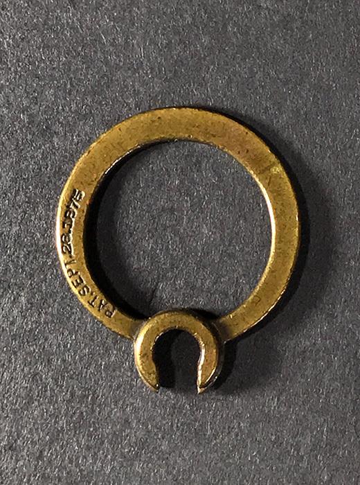 """画像1: 【Pat.1875】 Solid Brass""""Rotating"""" Key Ring (1)"""