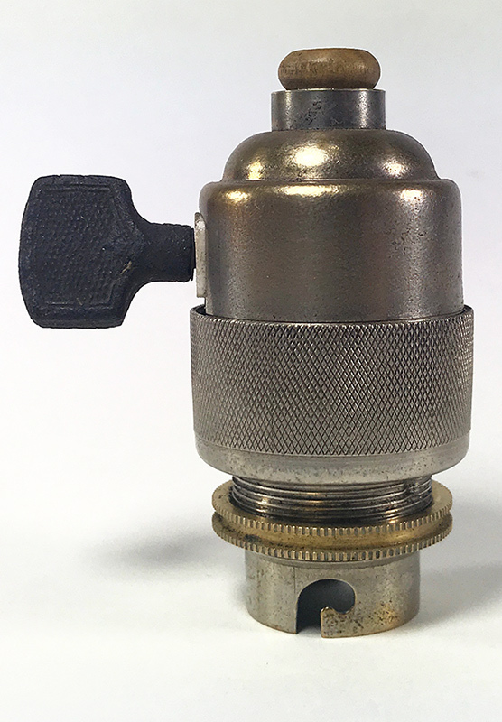 画像1: 1940-50's Nickeled-Brass Lamp Socket 【B22】 (1)