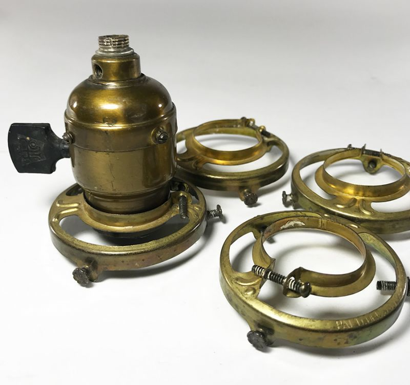 画像1: -*残り2個*-  1890-1910's Brass Shade fitters light fixture parts (1)