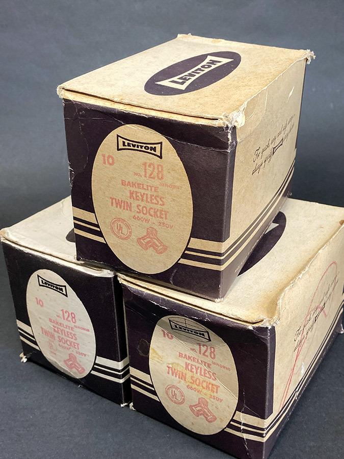 """画像1: 【処分品】  """"LEVITON"""" 3-Boxes (1)"""