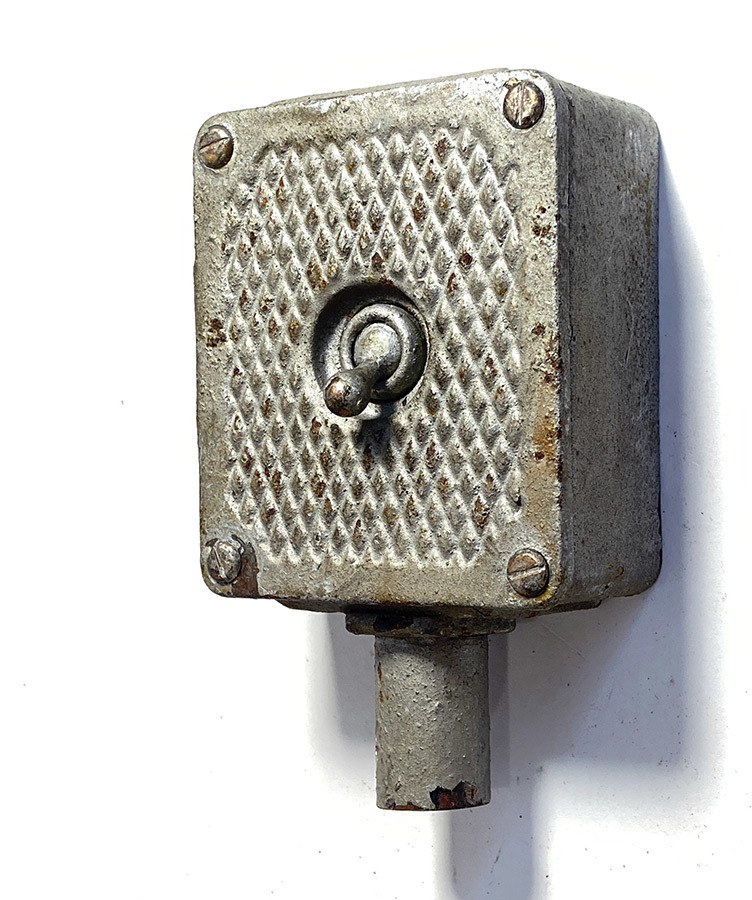 "画像1: 1930-40's ""Iron×Brass"" Toggle Switch (1)"