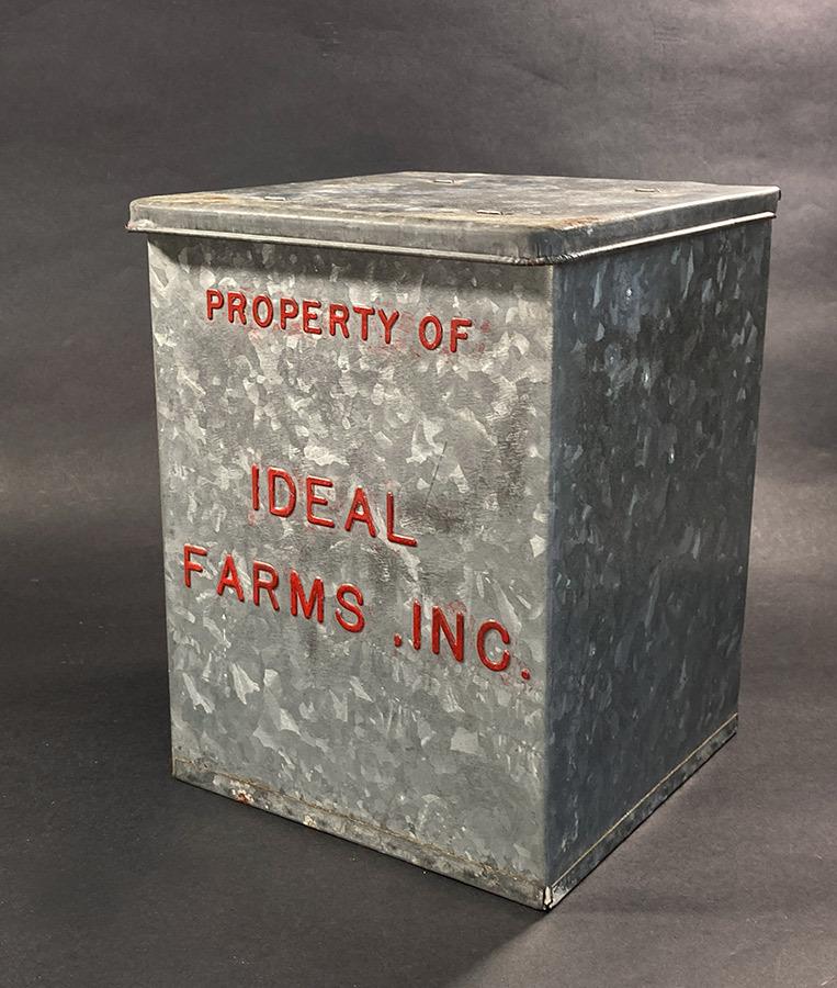"""画像1: 1940's """"IDEAL FARMS INC."""" Galvanized Milk Delivery Cooler Box (1)"""