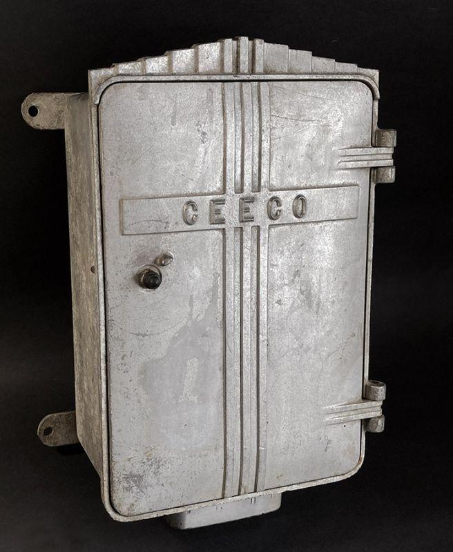 """画像1: 1930-50's """"CEECO""""  Cast Aluminum Railway Telephone Callbox  【ちょ〜特大です。】 (1)"""